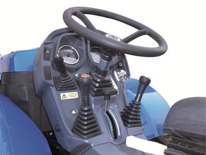 traktor_bcs_invictus_k300_ar_k400ar_upravlenie.jpg