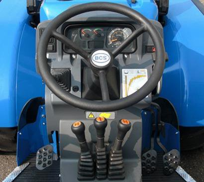 traktor_bcs_volcan_sdt_v800_dualsteer_upravlenie.jpg